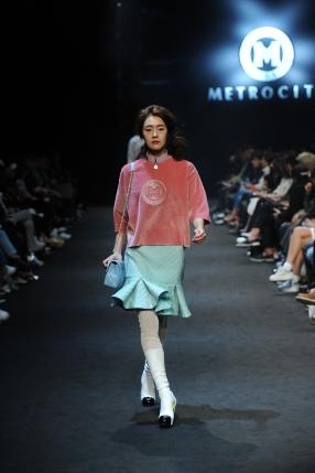 seoul-fashion-week-15fw-collection-metro-city-010-fashioninkorea