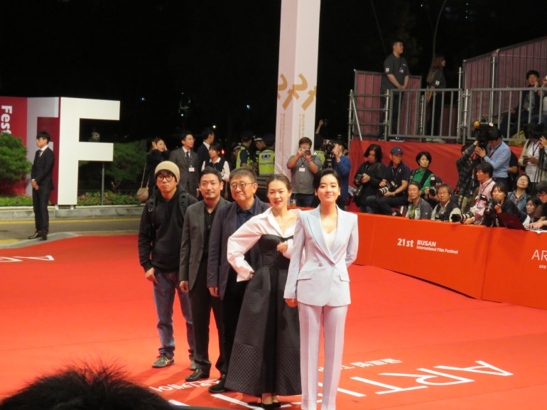 zhang-lu-and-the-cast-of-a-quiet-dream
