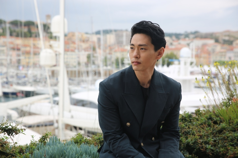 [CJES Entertainment] TEO YOO_film leto(6)